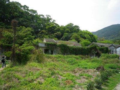 The deserted Sha Lo Tung village.JPG